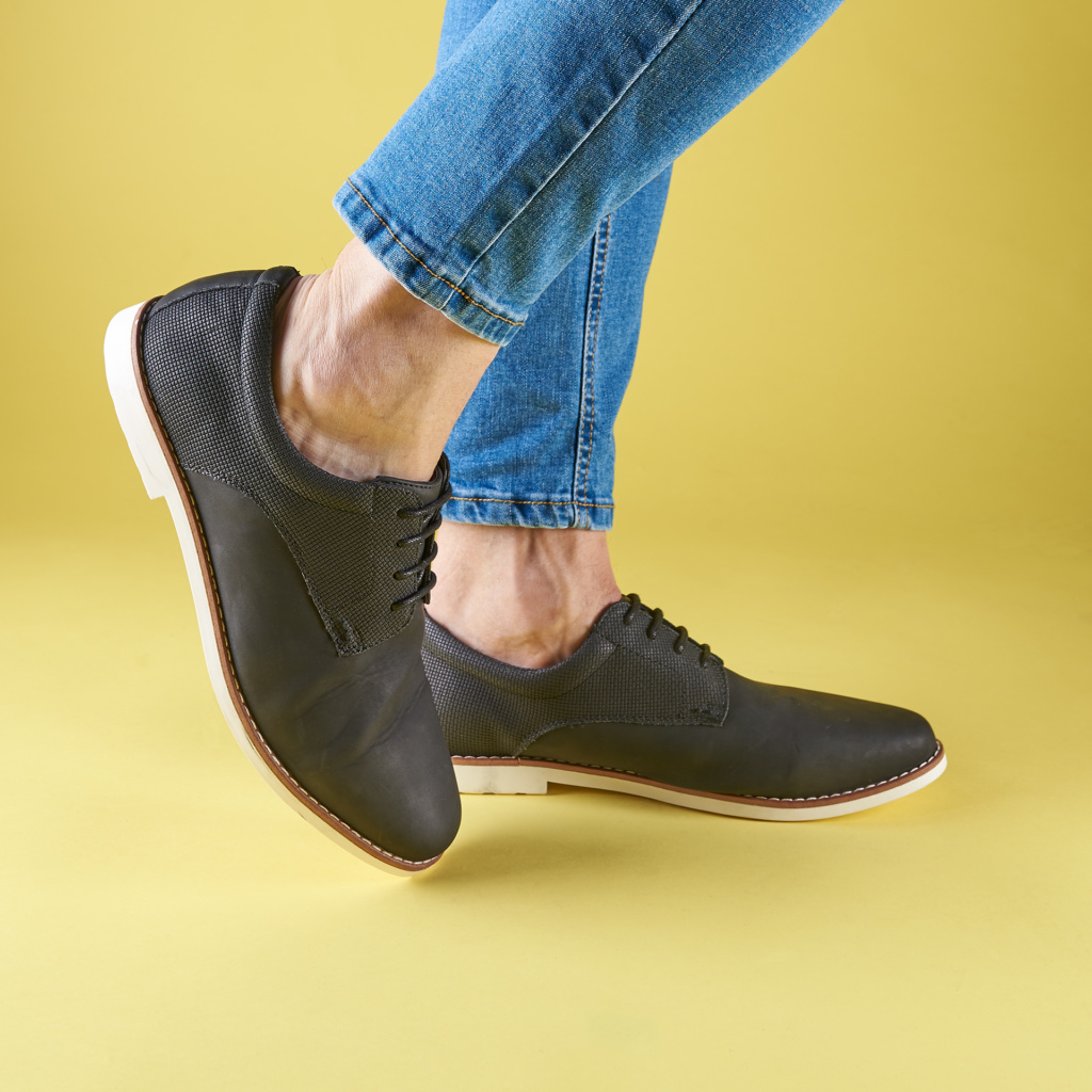 Fotografia de producto zapatos ropa con modelo